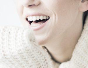 女性 笑顔